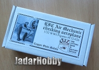 Copper State Models F32-026 1/32 RFC Air Mechanic checking aeroplane