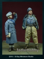 D-Day Miniature 35076 1/35  WWII Luftwaffe Pilot & Helferin, Winter 1942-45