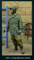 D-Day Miniature 35077 1/35 US GI holding Street Sign, Germany 1945