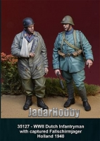 D-Day Miniature 35127 1/35 WWII Dutch Infantryman w/Captured Fallschirmjager