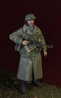 D-Day Miniature 35160 1/35 Waffen SS Soldier w. MP40, Ardennes 1944