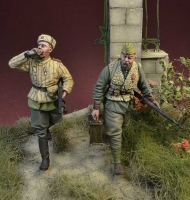 D-Day Miniature 35165 1/35 Soviet Troopers, Europe 1944-46 (2 figures)